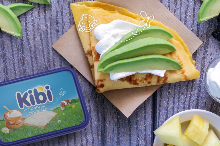 کرپ آووکادو و پنیر خامهای