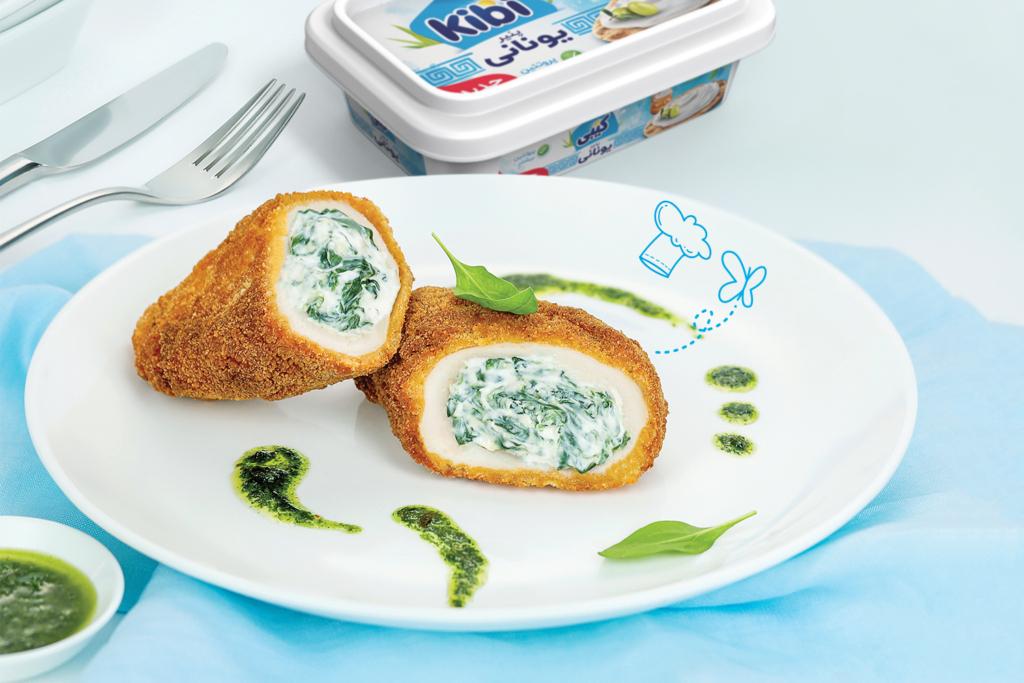 مرغ شکمپر با پنیر یونانی