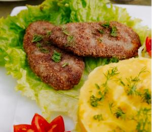 طرز تهیهی کتلت سیبزمینی و گوشت با پنیر و کوکوی شکمپر، ساده و متفاوت